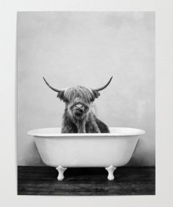 WallArt Posters Highland Cow Bathtub Poster